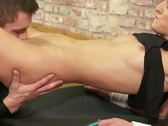Sporty eurobabe pussylicked by her trainer