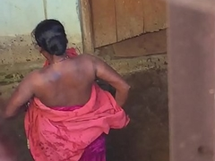 Desi village horny bhabhi nude bath show caught by hidden cam